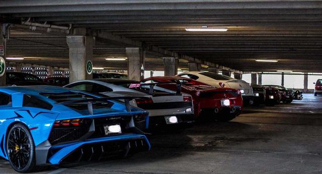 Dàn siêu xe khủng bị phủ bụi, nằm chờ trong garage - Ảnh 26.