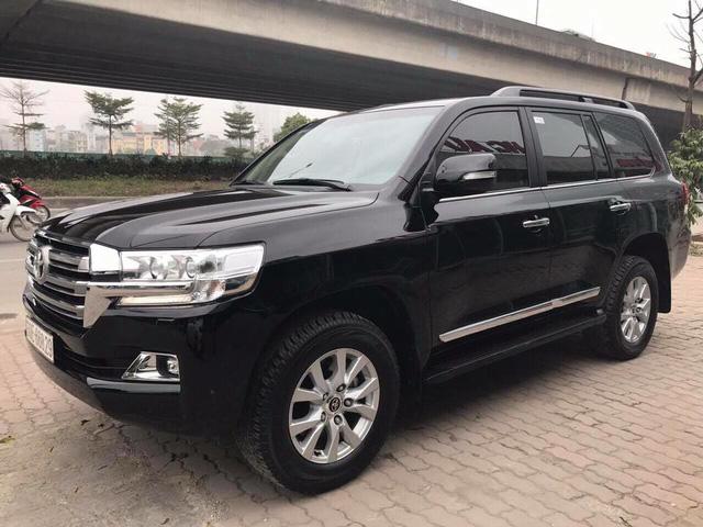 Toyota Land Cruiser VX 2016 lăn bánh 25.000km rao bán lại giá 3,8 tỷ đồng - Ảnh 2.
