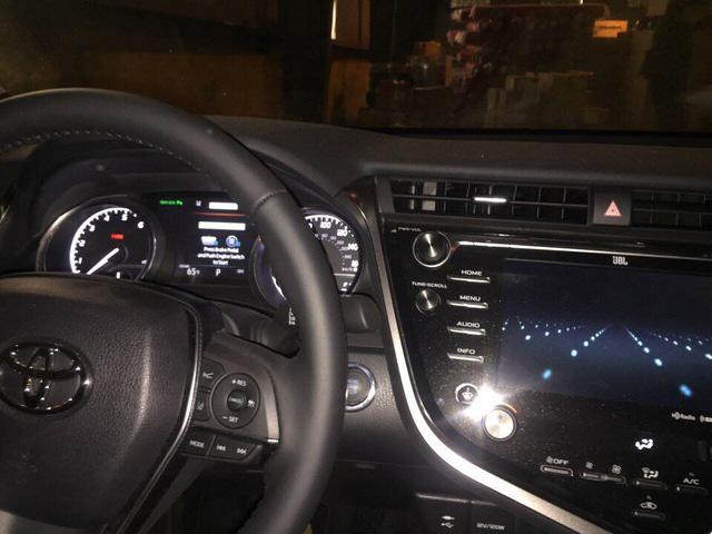 Toyota Camry 2018 đầu tiên xuất hiện tại Việt Nam - Ảnh 6.