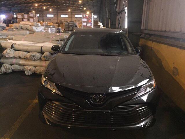 Toyota Camry 2018 đầu tiên xuất hiện tại Việt Nam - Ảnh 2.