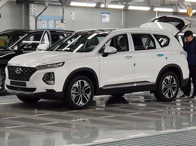 Hình ảnh thực tế và thông tin chi tiết đầu tiên về Hyundai Santa Fe 2019 - Ảnh 2.