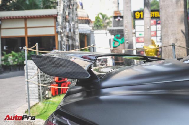 Mercedes SLS AMG GT Final Edition của nhà chồng Hà Tăng tái xuất trên phố ngày cận Tết - Ảnh 5.