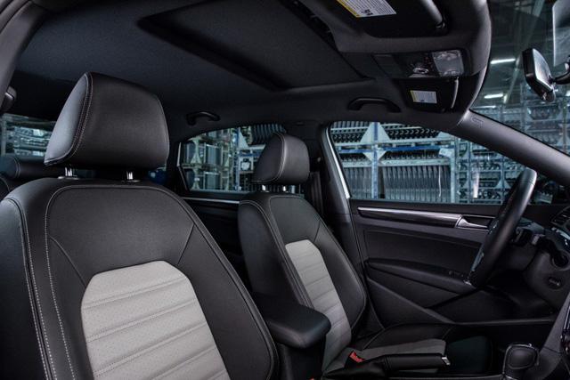 Volkswagen Passat GT trình làng tại Detroit 2018 - Ảnh 6.