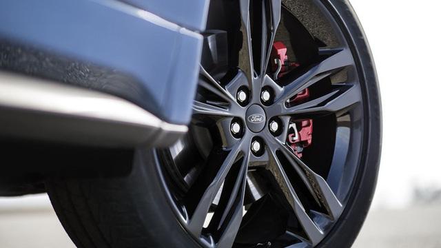 Ford cho ra lò mẫu SUV hiệu suất cao ST Performance đầu tay - ảnh 4