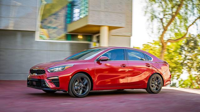 Kia Forte 2019 rộng rãi hơn và tiết kiệm nhiên liệu hơn trước - Ảnh 5.