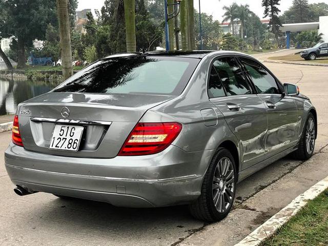 Mercedes-Benz C250 lăn bánh hơn 7 năm rao bán lại giá 695 triệu đồng - Ảnh 4.