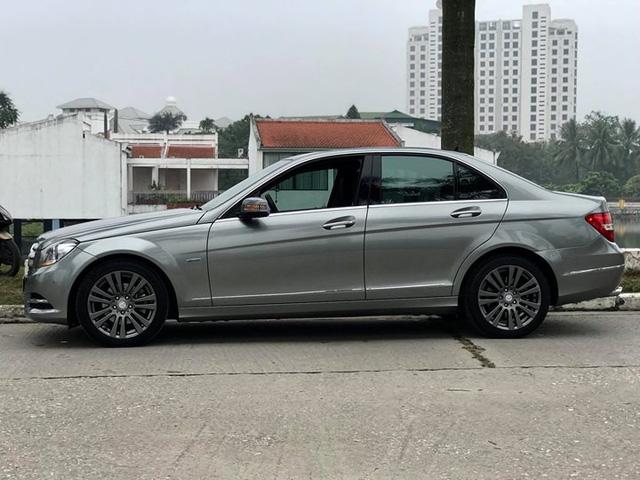 Mercedes-Benz C250 lăn bánh hơn 7 năm rao bán lại giá 695 triệu đồng - Ảnh 2.