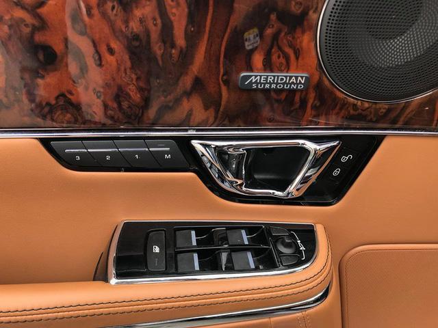 Lăn bánh hơn 36.000km, hàng hiếm Jaguar XJL 2014 giữ giá tới đâu? - Ảnh 14.