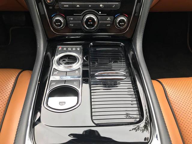 Lăn bánh hơn 36.000km, hàng hiếm Jaguar XJL 2014 giữ giá tới đâu? - Ảnh 13.