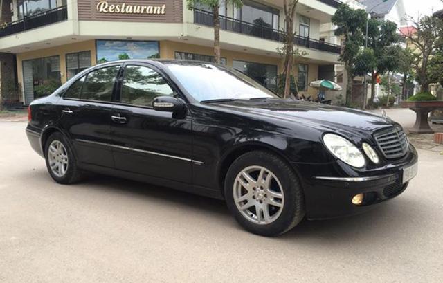 Mercedes-Benz E200 đi 14 năm bán lại được bao nhiêu? - ảnh 1