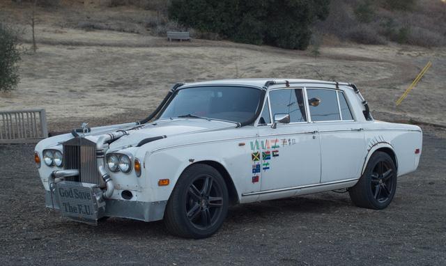 Xe siêu sang Rolls-Royce độ như xe phế liệu, dùng hộp số Ford, vành Porsche - Ảnh 3.
