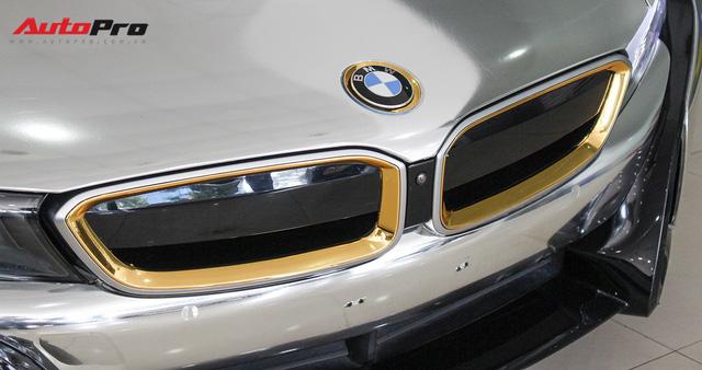 BMW i8 dán decal chrome bạc độc nhất Việt Nam rao bán lại giá 3,9 tỷ đồng - Ảnh 7.