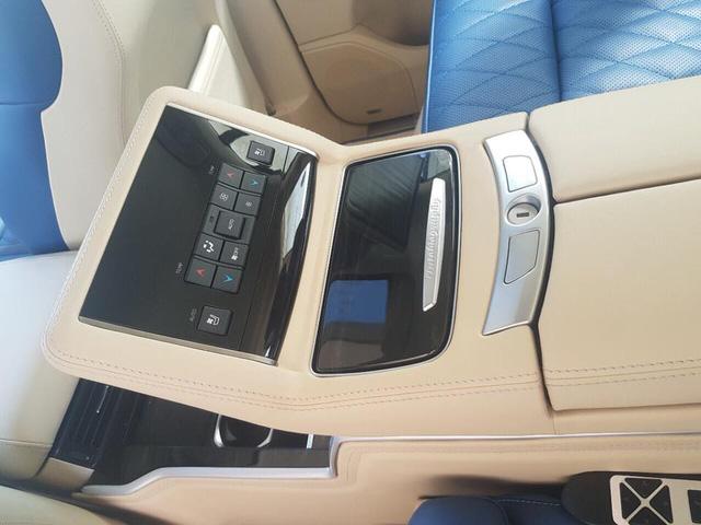 Lexus LX570 Super Sport bản limousine 4 chỗ chào hàng đại gia Việt - Ảnh 7.