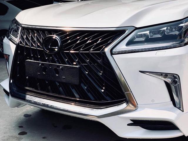 Điểm mặt những chiếc Lexus LX570 Super Sport giá gần 10 tỷ tại Việt Nam - Ảnh 5.