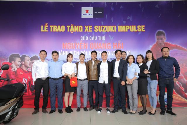 Suzuki Việt Nam tặng xe tay ga cho tiền vệ U23 Quang Hải - Ảnh 5.