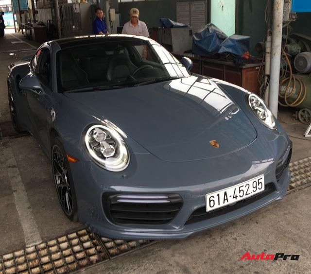 Đại gia Bình Dương tậu Porsche 911 Turbo S trị giá hơn 15 tỷ đồng - Ảnh 3.