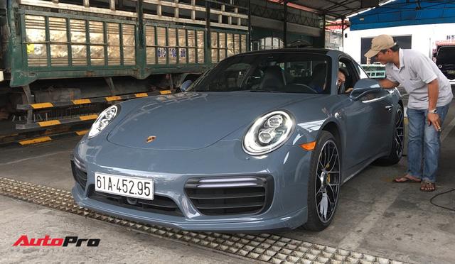 Đại gia Bình Dương tậu Porsche 911 Turbo S trị giá hơn 15 tỷ đồng - Ảnh 7.