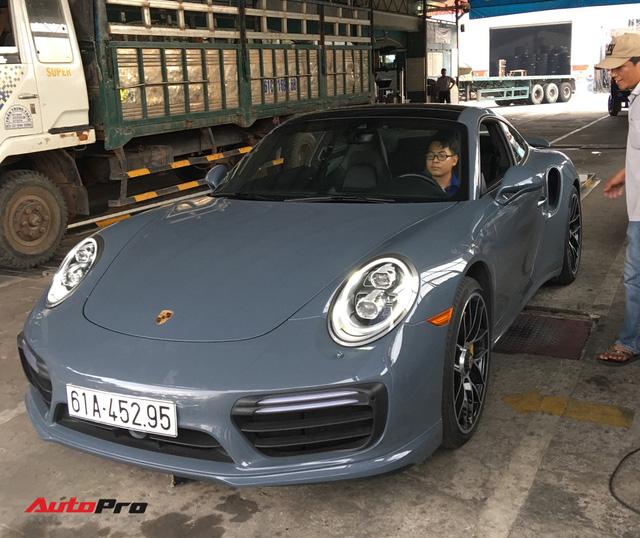 Đại gia Bình Dương tậu Porsche 911 Turbo S trị giá hơn 15 tỷ đồng - Ảnh 1.