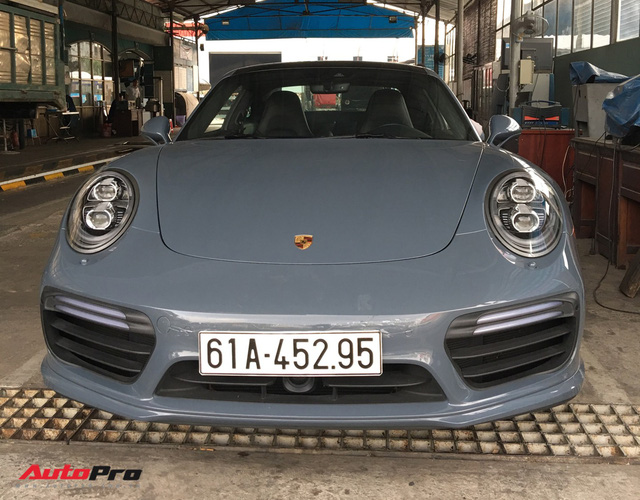 Đại gia Bình Dương tậu Porsche 911 Turbo S trị giá hơn 15 tỷ đồng - Ảnh 2.
