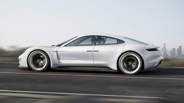 Porsche đặt cược vào xe điện - Ảnh 1.