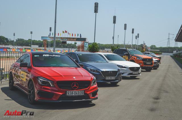 Dàn siêu xe và xe thể thao đua tốc độ tại trường đua Đại Nam - Ảnh 1.