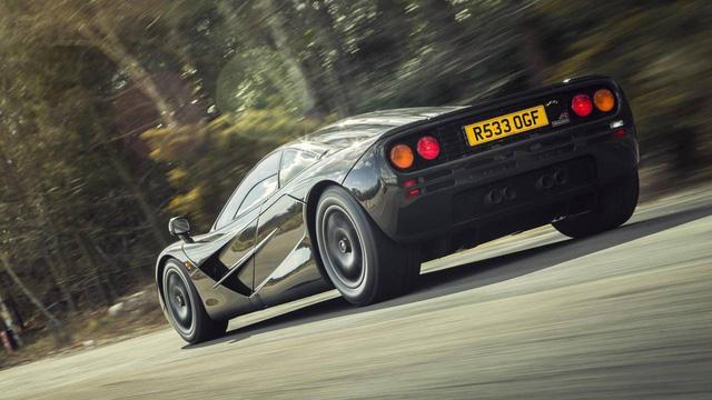 7 siêu xe đủ sức cho xe đua F1 hít khói - Ảnh 1.