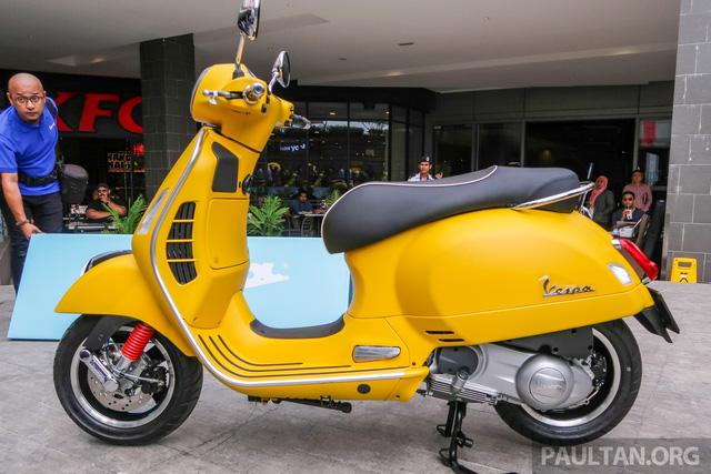 Vespa GTS 300 lắp ráp tại Việt Nam có giá hơn 157 triệu đồng tại Malaysia - Ảnh 2.