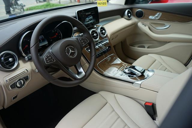 Cùng giá, Volkswagen Tiguan Allspace có gì để cạnh tranh Mercedes-Benz GLC tại Việt Nam? - Ảnh 4.