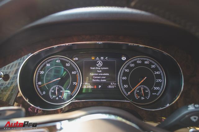 SUV siêu sang Bentley Bentayga chính hãng độ carbon vừa trao tay đại gia Sài Gòn - Ảnh 17.