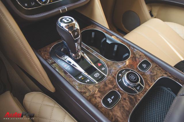 SUV siêu sang Bentley Bentayga chính hãng độ carbon vừa trao tay đại gia Sài Gòn - Ảnh 15.