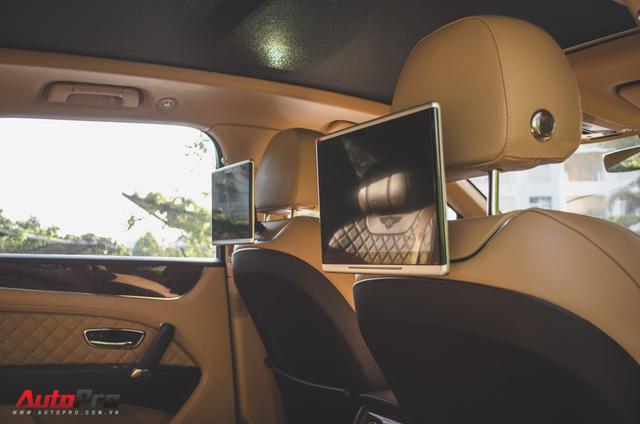 SUV siêu sang Bentley Bentayga chính hãng độ carbon vừa trao tay đại gia Sài Gòn - Ảnh 19.