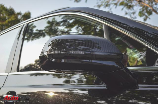 SUV siêu sang Bentley Bentayga chính hãng độ carbon vừa trao tay đại gia Sài Gòn - Ảnh 9.
