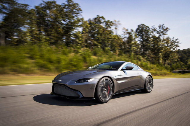 Aston Martin lên kế hoạch ra mắt xe thách thức McLaren P1 - Ảnh 2.