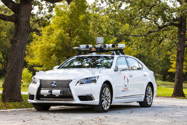 Đối tác Uber gây tai nạn vì xe tự lái, Toyota ngay lập tức ngưng chạy thử - Ảnh 2.