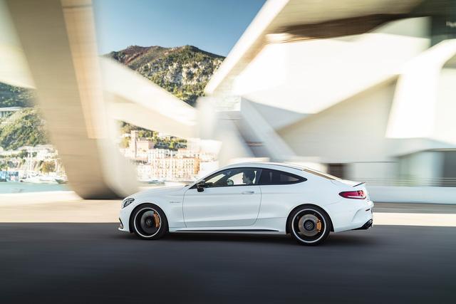 Thêm 2 cấp số, Mercedes-AMG C63 càng bá chủ tốc độ trong phân khúc - Ảnh 2.