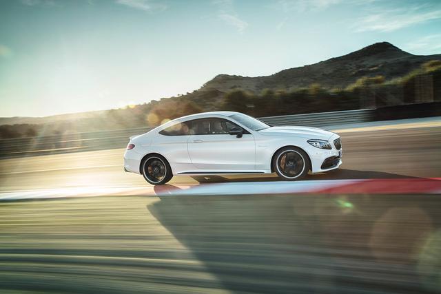 Thêm 2 cấp số, Mercedes-AMG C63 càng bá chủ tốc độ trong phân khúc - Ảnh 5.