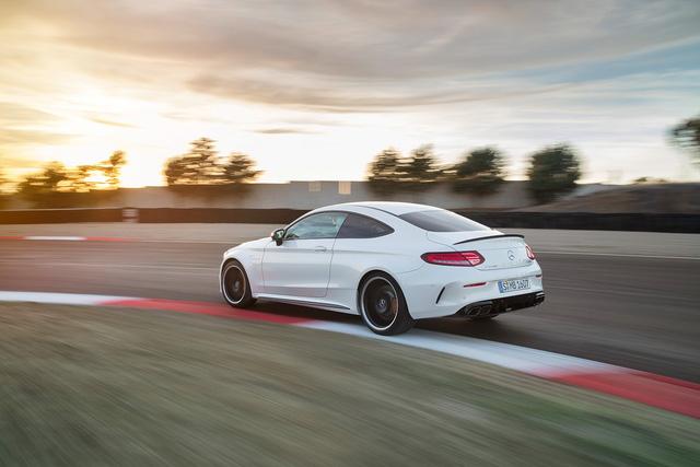 Thêm 2 cấp số, Mercedes-AMG C63 càng bá chủ tốc độ trong phân khúc - Ảnh 7.
