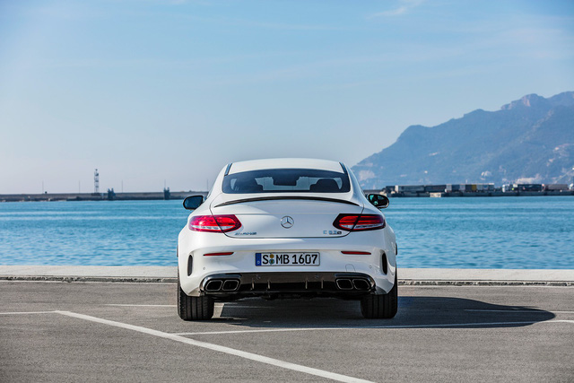 Thêm 2 cấp số, Mercedes-AMG C63 càng bá chủ tốc độ trong phân khúc - Ảnh 9.