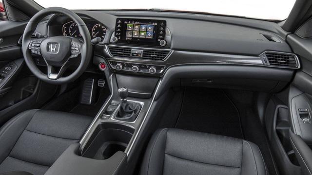 So kè Nissan Altima 2019 với Toyota Camry, Honda Accord - Ảnh 7.