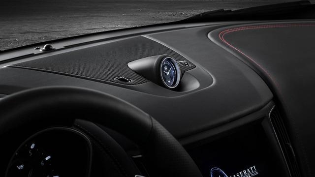 Maserati Levante Trofeo: Tranh tài cùng Porsche Cayenne Turbo - Ảnh 9.