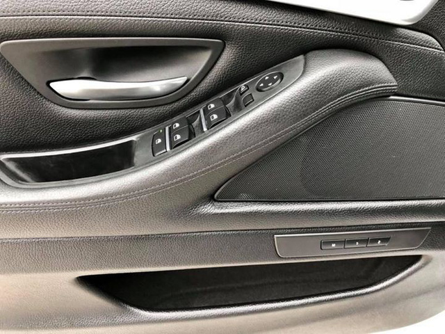 Sedan hạng sang BMW 523i 2012 rao bán lại giá chưa đến 1 tỷ đồng - Ảnh 14.