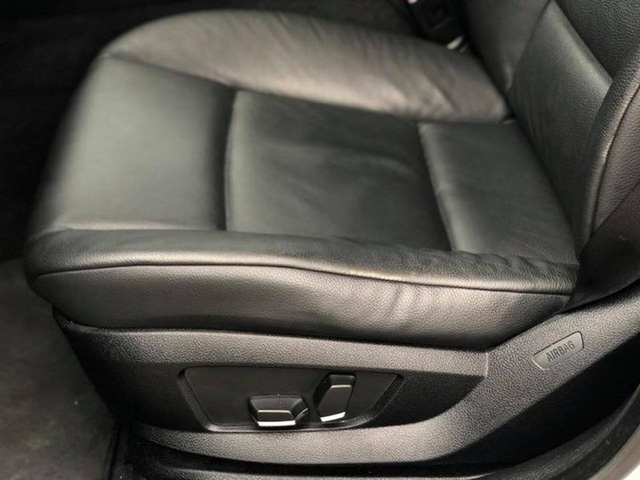 Sedan hạng sang BMW 523i 2012 rao bán lại giá chưa đến 1 tỷ đồng - Ảnh 12.
