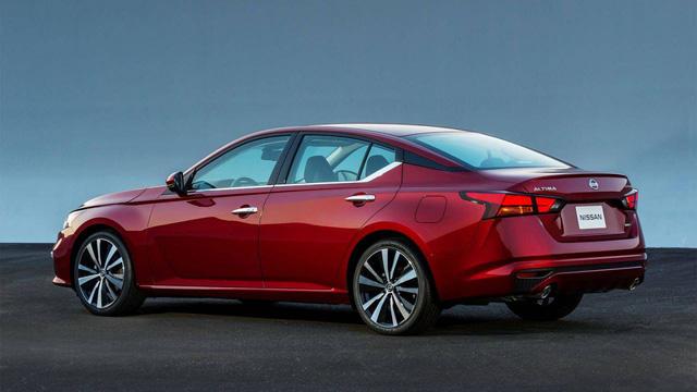 So kè Nissan Altima 2019 với Toyota Camry, Honda Accord - Ảnh 2.