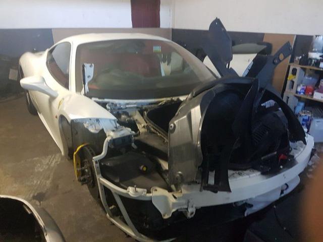 Ferrari 458 Italia bị đánh cắp và lột hết phụ tùng - Ảnh 2.