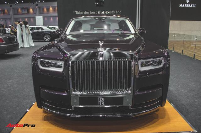 Xem trước Rolls-Royce Phantom 2018 chuẩn bị về Việt Nam - Ảnh 3.