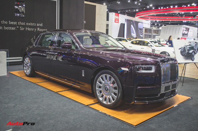 Xem trước Rolls-Royce Phantom 2018 chuẩn bị về Việt Nam - Ảnh 4.
