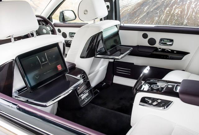 Xem trước Rolls-Royce Phantom 2018 chuẩn bị về Việt Nam - Ảnh 2.