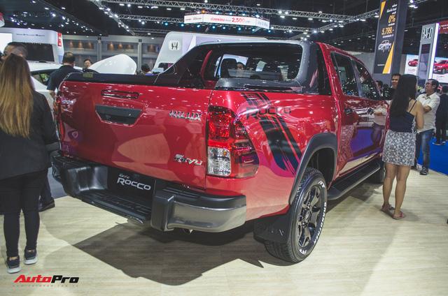 Toyota Hilux Revo Rocco cạnh tranh Ford Ranger Wildtrak và Mitsubishi Triton Athlete - Ảnh 4.