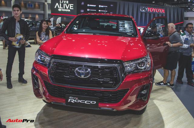 Toyota Hilux Revo Rocco cạnh tranh Ford Ranger Wildtrak và Mitsubishi Triton Athlete - Ảnh 3.