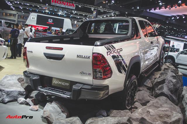 Toyota Hilux Revo Rocco cạnh tranh Ford Ranger Wildtrak và Mitsubishi Triton Athlete - Ảnh 1.